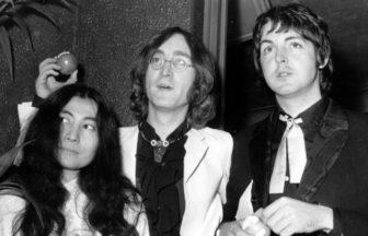 Paul McCartneyやYoko Onoら、John Lennon