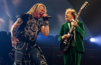 Angus Young、Axl Rose