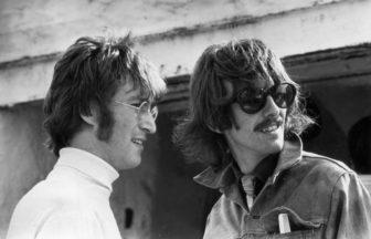 John LennonとGeorge Harrison
